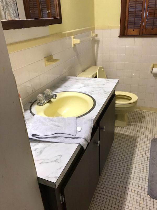2019-bathroom-remodel-rice-before-2.jpg