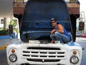 CÓDIGOS EN MOVIMIENTO. LA MASCULINIDAD DE LOS CAMIONEROS EN CUBA