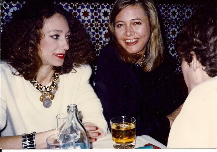 Tessa Walmsley con su amiga Marisa Berenson