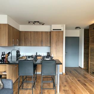 renovation_crans_montana_cuisine_parquet
