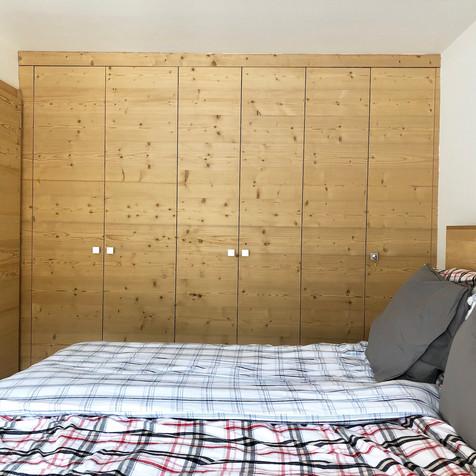 armoires-bois-chambre-bedroom-dressing.j