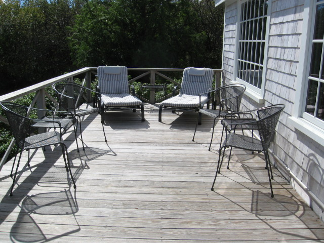 sitting area on oceanside deck