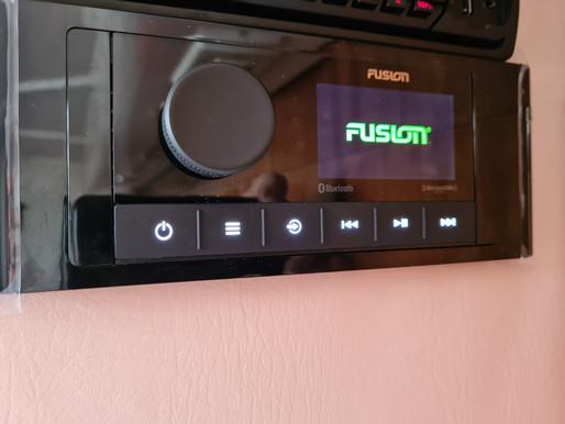 FUSION MS RA 210 Installation
