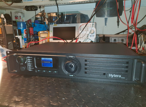 Hytera RD985 - DMR repeater