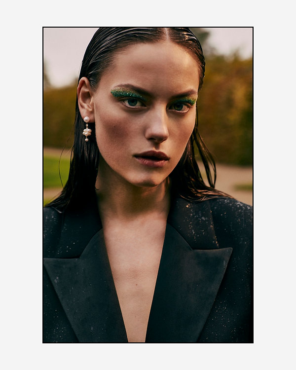 Costume Magazine - December 18 - Will Vendramini - Caroline Knudsen - beauty in the rain