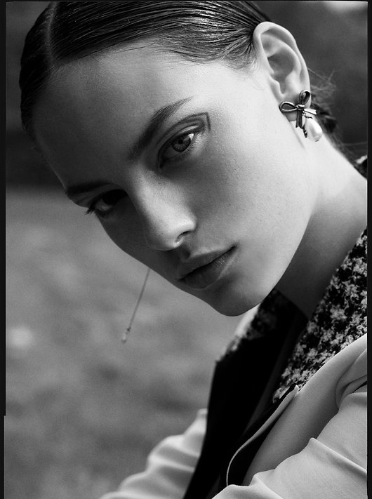 Costume Magazine - December 18 - Will Vendramini - Caroline Knudsen - Beauty