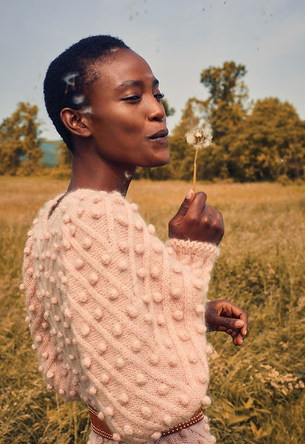 Intermix Fall 18 Campaign, blowing leaf, happy moments, fashion