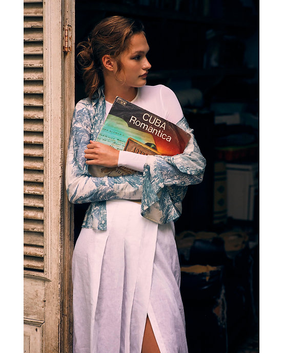 Dasha Malentina in Cuba for Elle Magazine fashion cuba romantinca