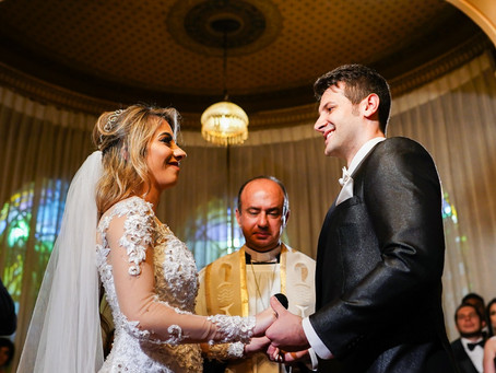 24 votos de casamento engraçados para trocar durante sua cerimônia