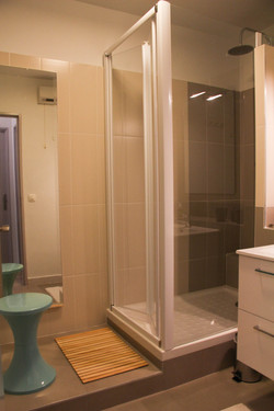 Bathroom - Le 6