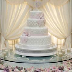 "22"" White/Bling Cake Stand"
