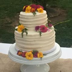 "13"" White ceramic pedestal cake stand"