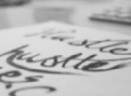 Calligrafia penna mano lettering caos