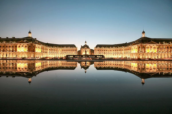 Palais-de-la-Bourse.jpg