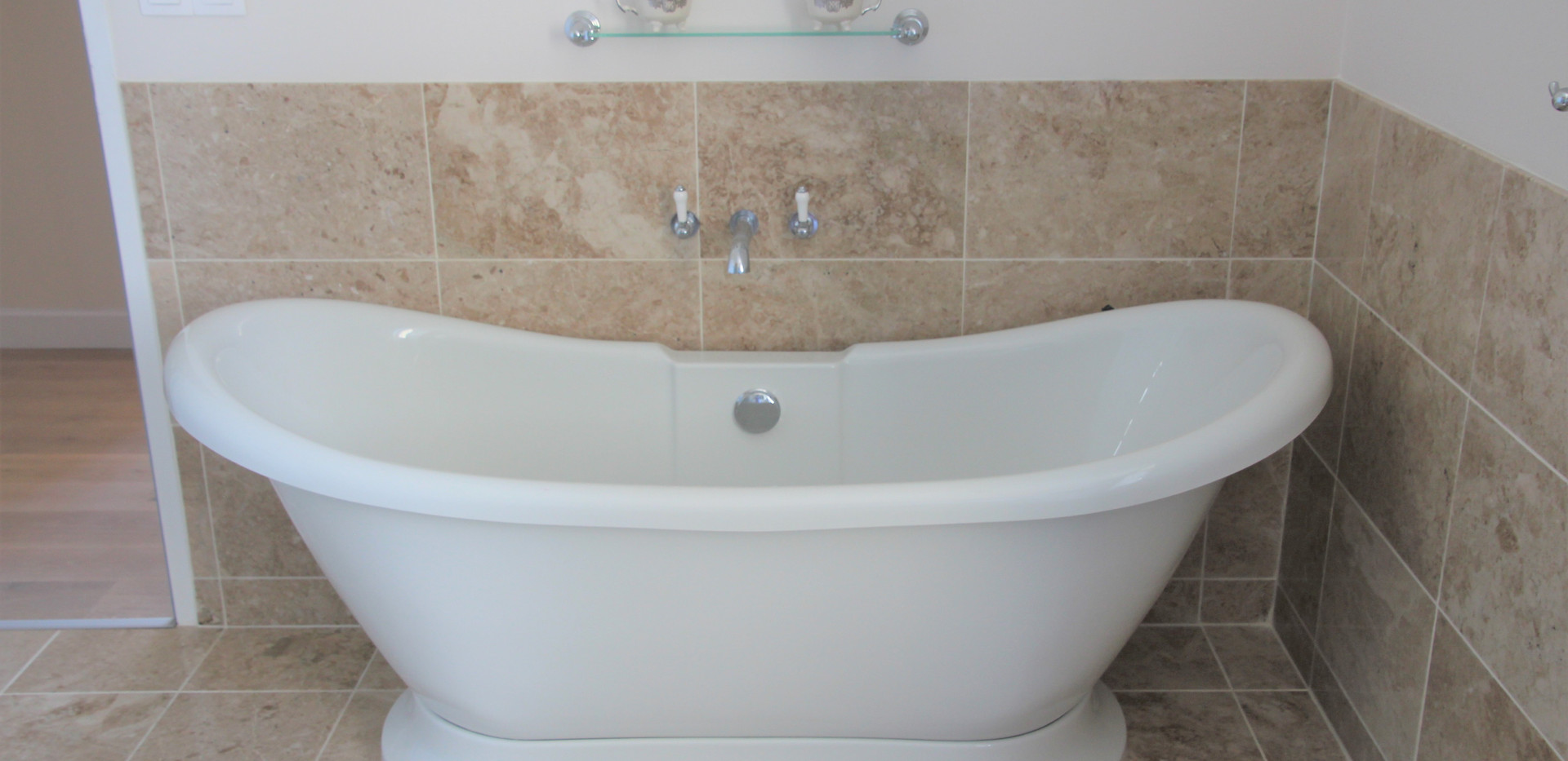 Family Bathroom - Bath