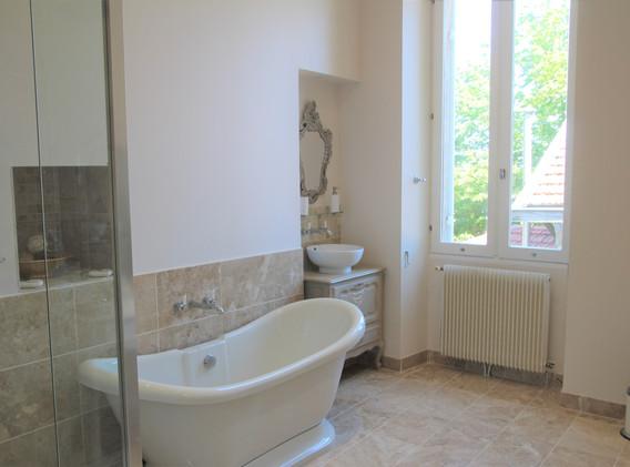 Master - En-Suite Bathroom
