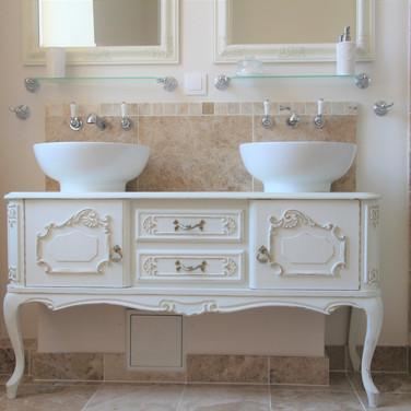 Family Bathoom Sinks