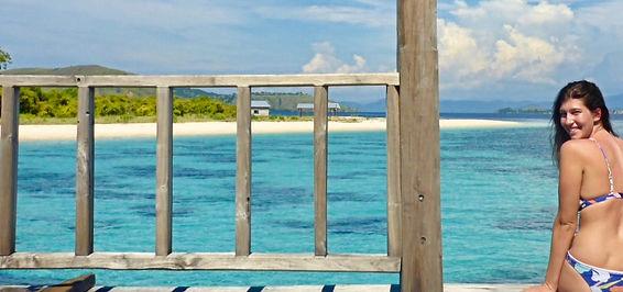 blaues Meer in Indonesien beim Inselhopping