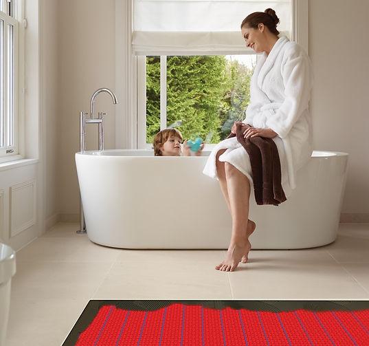DCM-PRO-Woman_bathroom_shower_07-Underfl