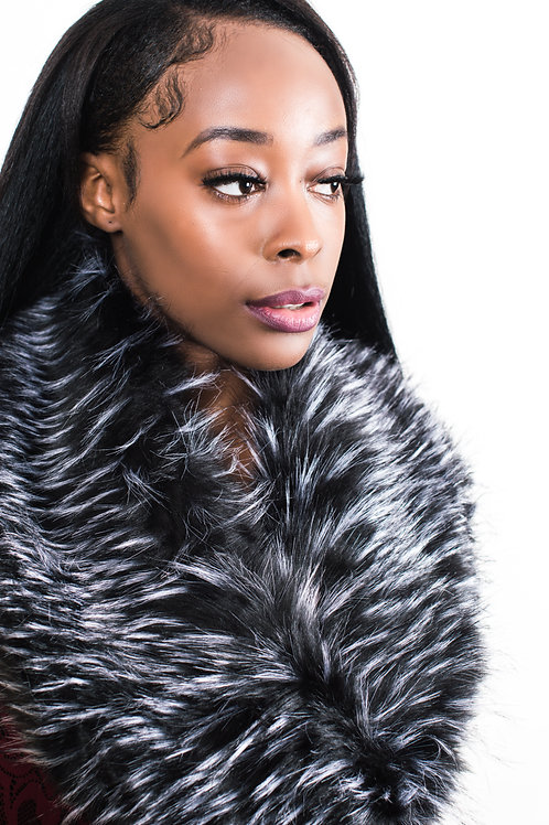 Neome Black And White Faux Fur Collar