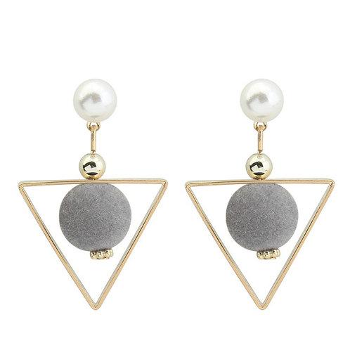 Leona Pearl earring