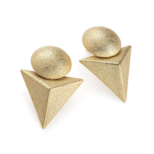 Les gold post earring