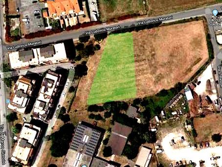 """Setteville di Guidonia: Un'area di sosta breve alle spalle della scuola """"Garibaldi"""""""