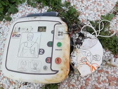 Villanova di Guidonia: Rubato e bruciato il defibrillatore di Piazza San Giuseppe Artigiano