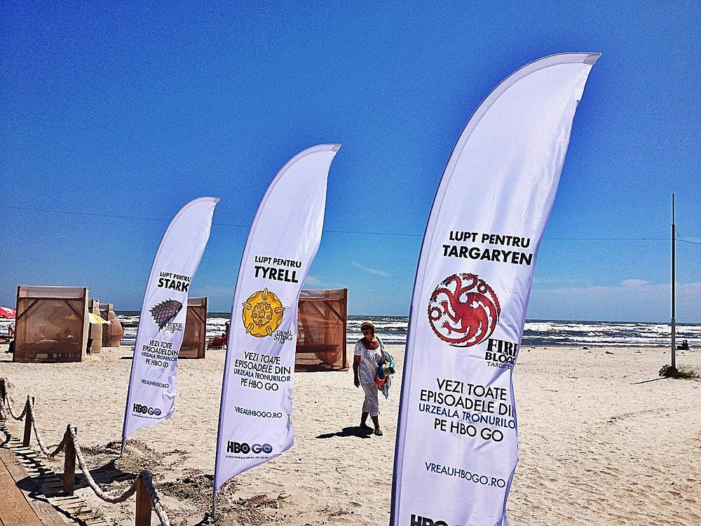 Campanie de awareness prin branding steaguri pe plajele de interes