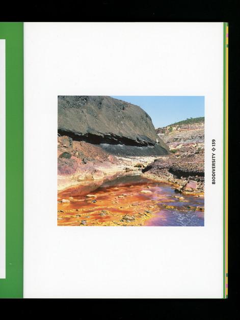 Catalogue Viva Latina, Festival Photo La Gacilly 2020, Les noirceurs du fleuve rouge, Coline Jourdan