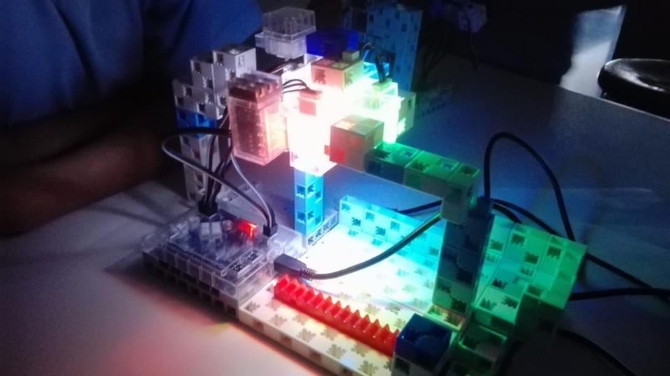 Robot Studuino a l'extraescolar de robòtica de Learnick a La Miranda