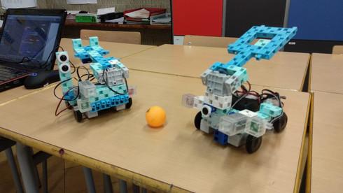 Robots Studuino a l'extraescolar de robòtica i programació de FEDAC Sant Andreu