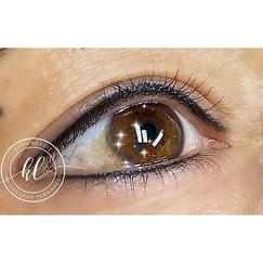 Maquillage permanent Eye-liner Haut et b