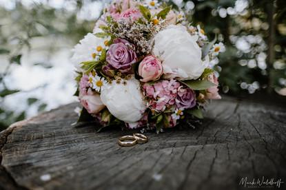 Brautpaar-Shooting Hochzeit Abtskücher Teich Heiligenhaus