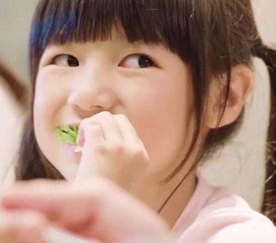 vv-girl-eating.jpg