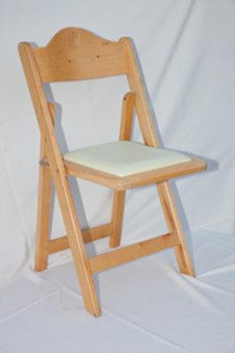 כסא עץ מתקפל להשכרה