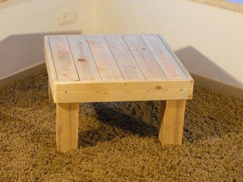 שולחן זולה מרובע להשכרה
