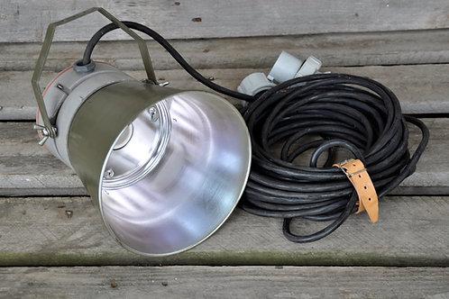 Vojenská lampa 230 V - nový typ