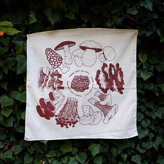 Forage Your Own Path Altar Cloth 塔羅布
