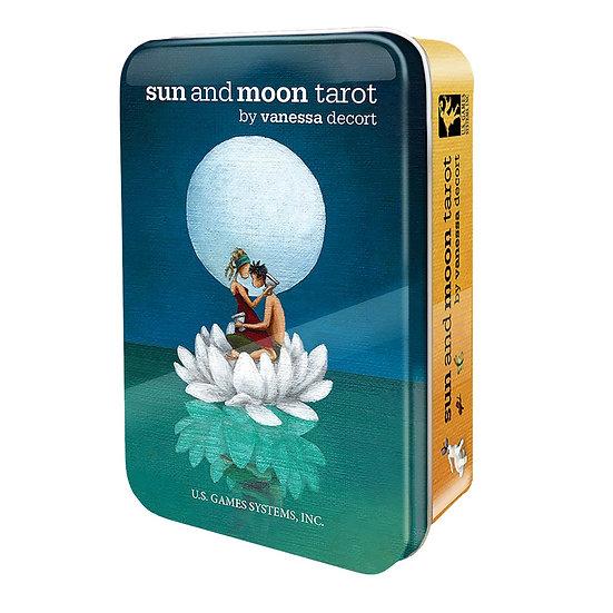 Sun and Moon Tarot in a Tin 鐵罐塔羅牌