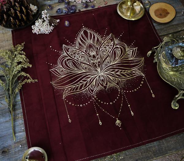 Lotus Flower Altar Cloth 塔羅布