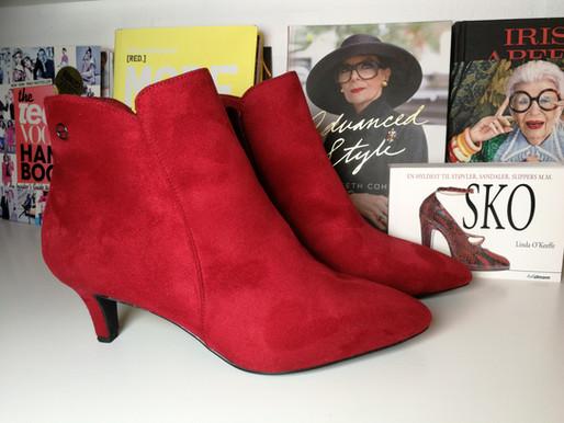 Røde støvler i klædeskabet