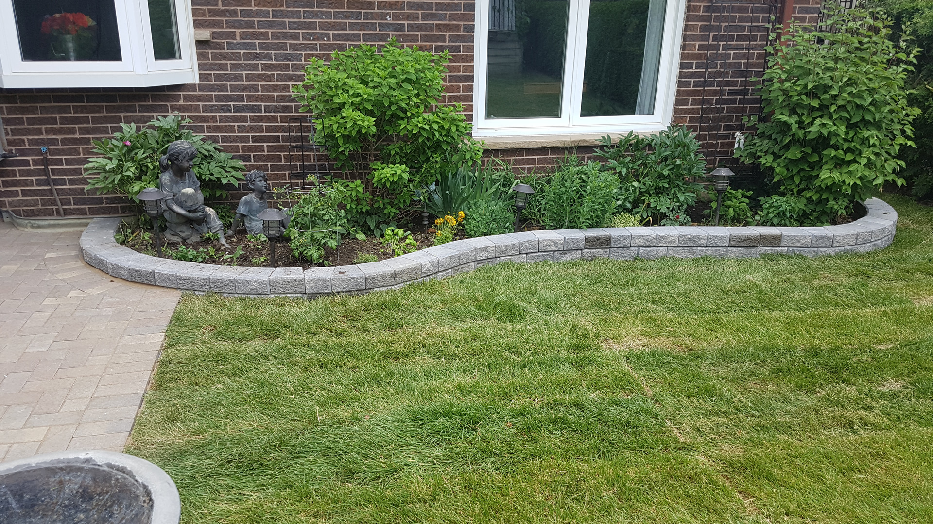retaining wall installation