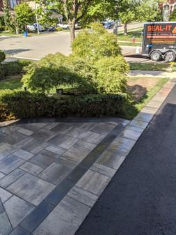 interlock_borders_asphalt.jpg