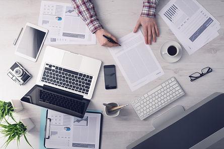 20150727171039-business-desk-workspace-w