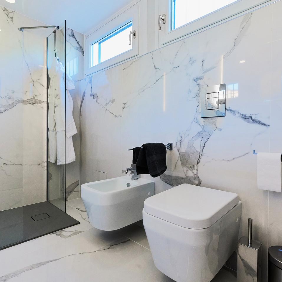 Bathroom en suite detail.jpg