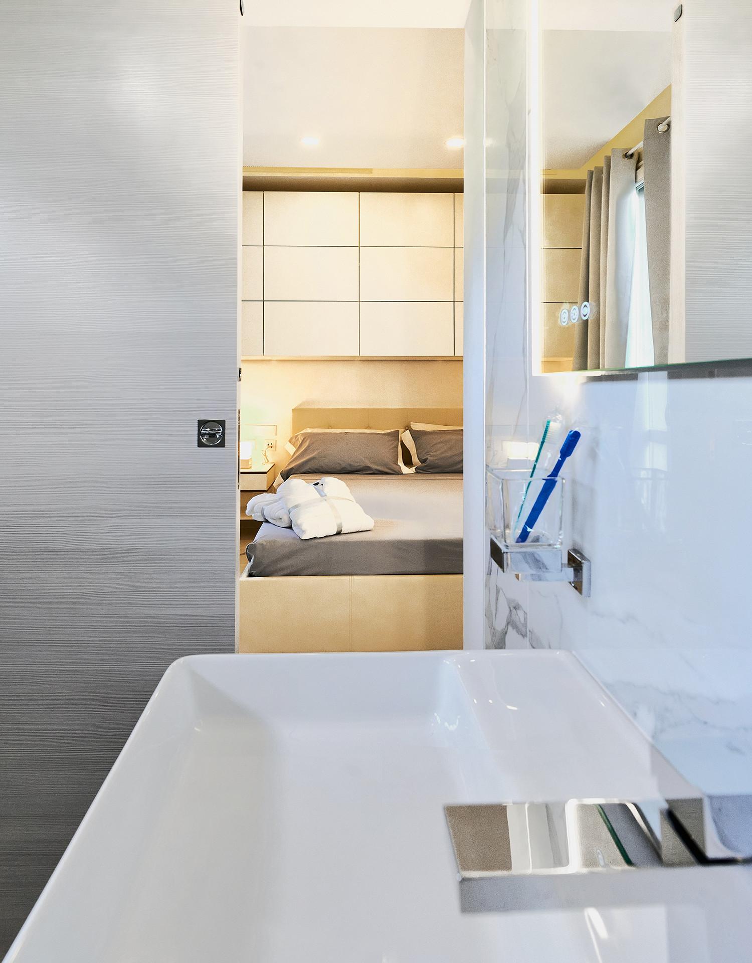 Bathroom en suite.jpg