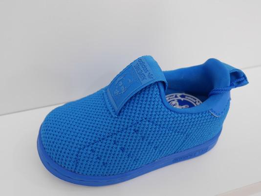 青いスニーカーシリーズ