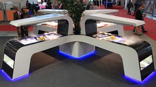 Innovación en mesas de buffet realizadas en solid surface