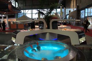 Diseño y fabricación de mesas de buffet para hoteles con Acrylic Solid Surface